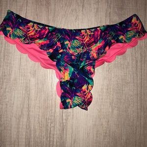 PINK Victoria's Secret Swim - VS PINK Scalloped Cheeky Swim Bottom